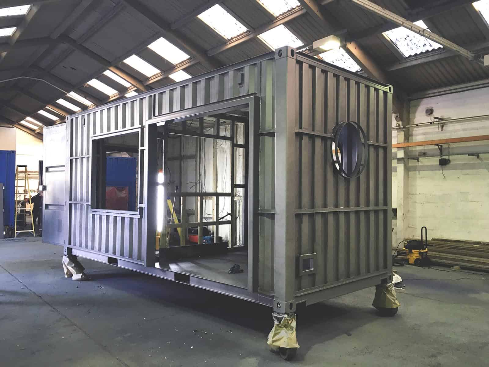 The Set, Shippiing container cafe