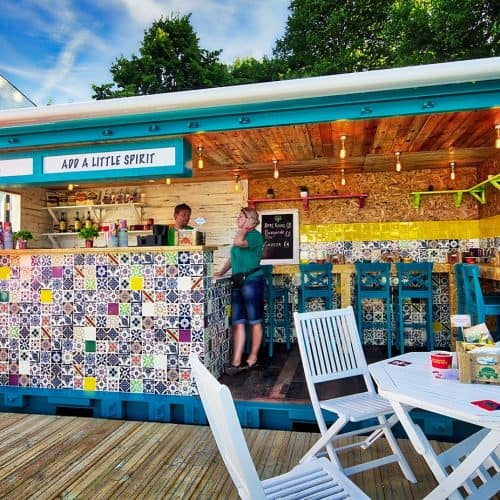 Manomasa shipping container catering-bar